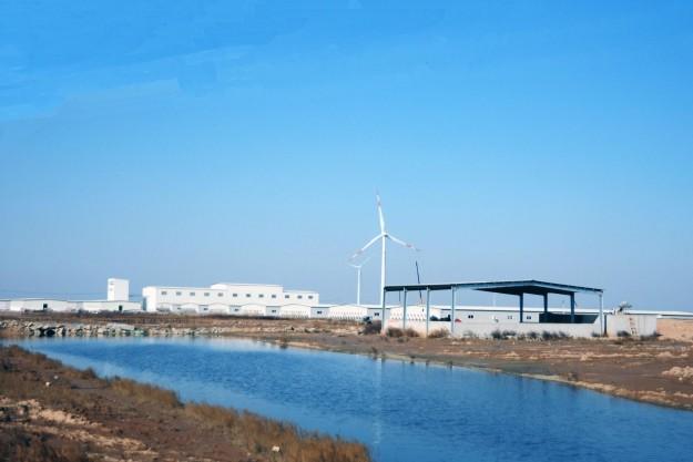 Besætningen ligger nord for Shanghai - tæt på havet.