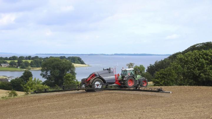 Landmændene skal have flere pesticider i værktøjskassen